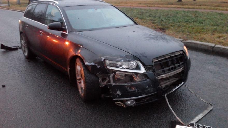 Фото повреждений Audi