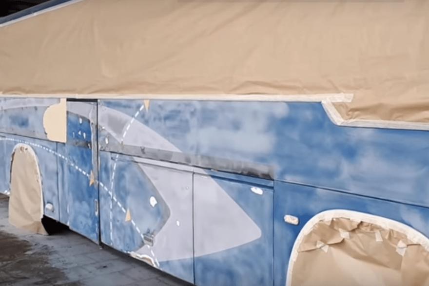 Фото автобуса подготовленного к покраске