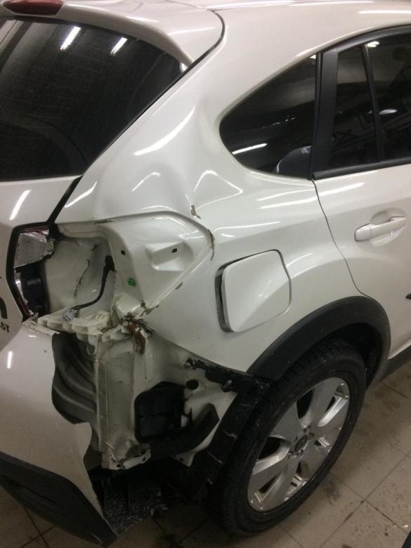 Фото повреждений задней части авто
