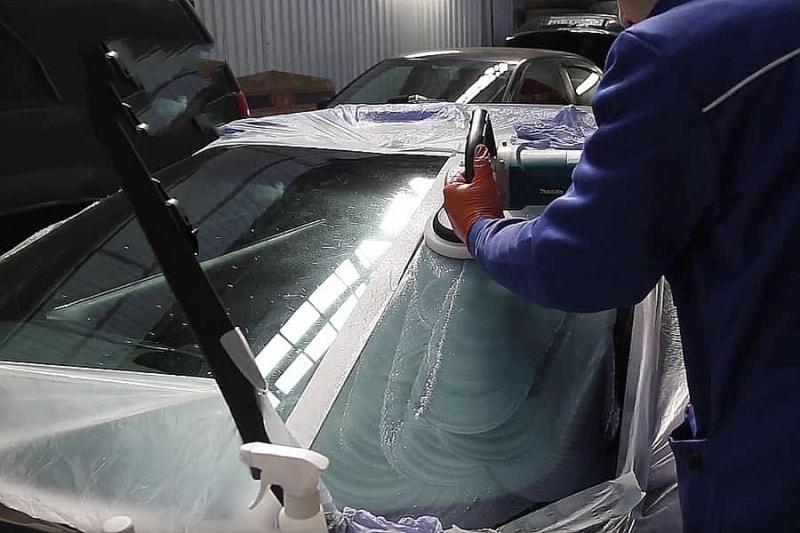 Фото процесса полированиястекла
